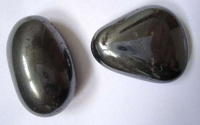 Polished hematite pebbles, photograph by Mauro Cateb (Own work) [CC BY-SA 3.0 (http://creativecommons.org/licenses/by-sa/3.0)], via Wikimedia Commons.