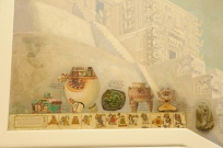 close up of Maya and Costa Rican artifacts in the mural