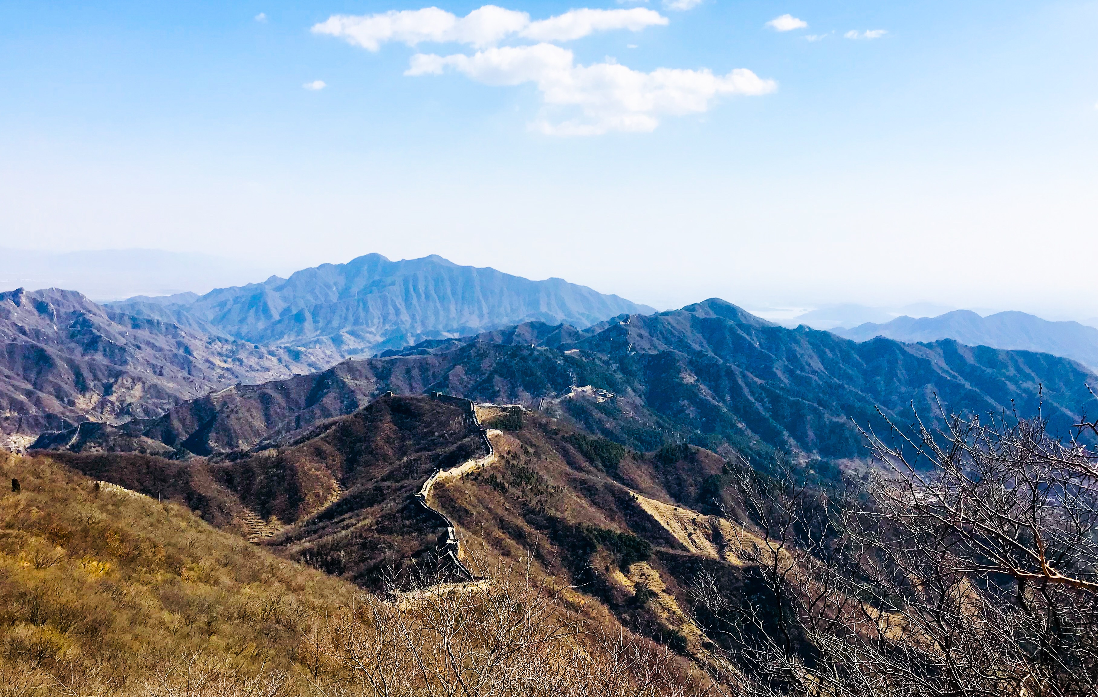 Image of the Great Wall of China in the mountains.